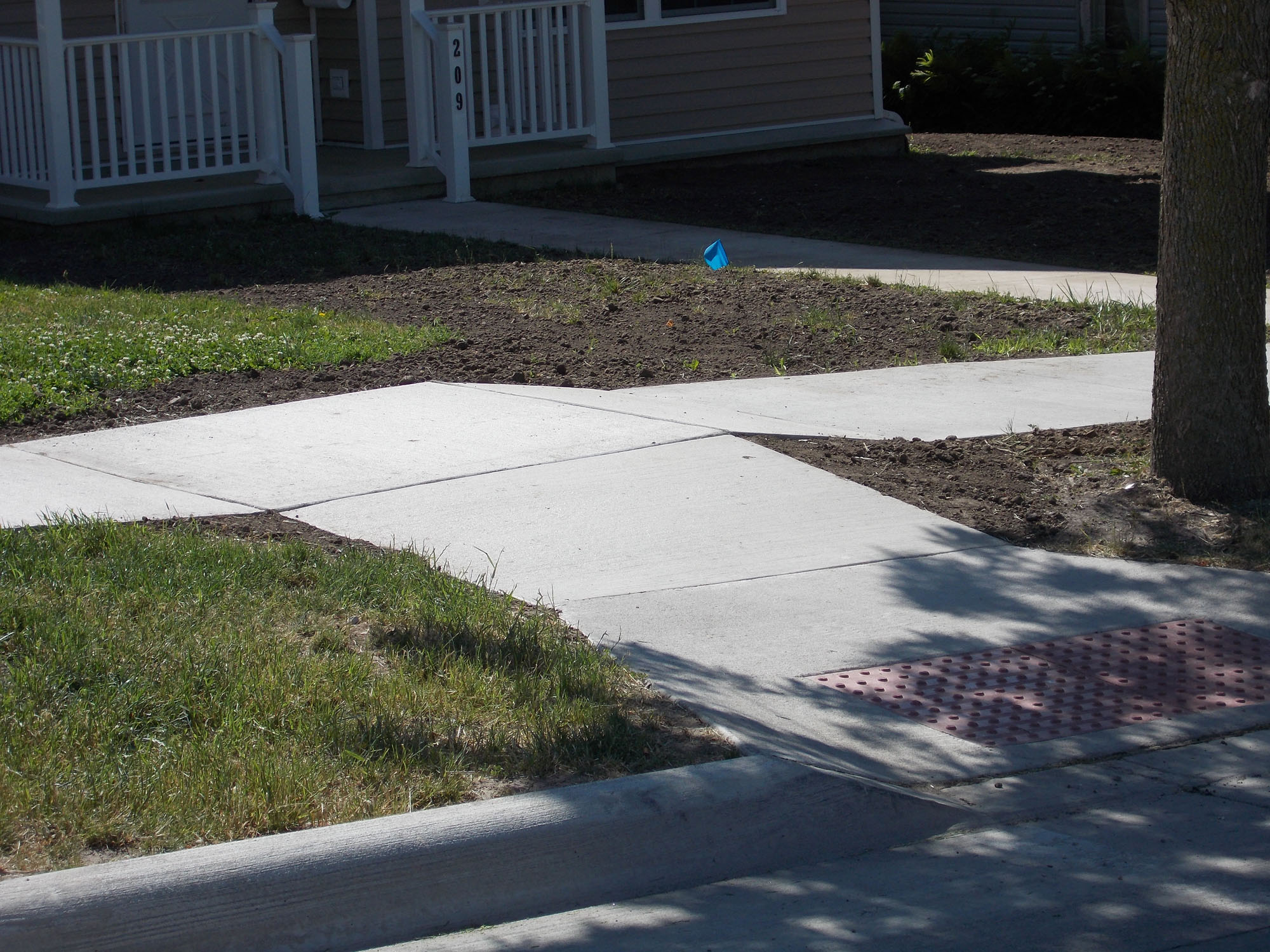 Anamosa_north Ford sidewalk.jpg